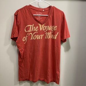 Two Guess V neck T Shirts Large
